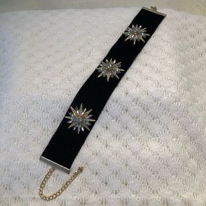 Black Velvet & Rhinestone Star 🌟 Choker Necklace